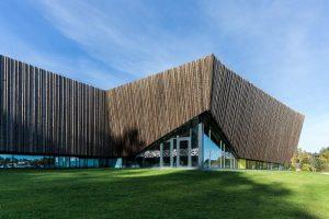 aquatic centre CO2 energy system
